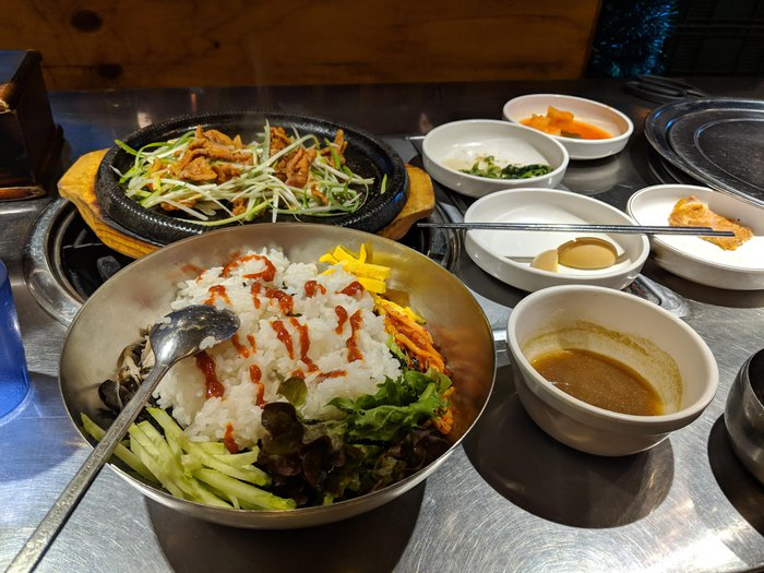 A full-on spread of bibimbap. Click for full-size image.